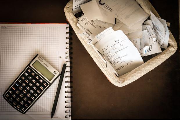 Image from https://pixabay.com/en/money-bills-calculator-save-256290/
